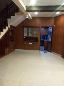 Gallery Cover Image of 2000 Sq.ft 4 BHK Apartment for rent in Vandana Towers, Thousand Lights for 50000