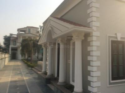 Gallery Cover Image of 7000 Sq.ft 6 BHK Villa for rent in Surajpur for 40000