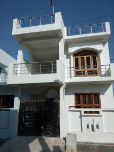 Gallery Cover Image of 1600 Sq.ft 3 BHK Independent House for buy in Golf City for 5760000