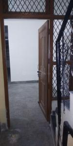 Gallery Cover Image of 750 Sq.ft 2 BHK Apartment for rent in Aya Nagar for 7000