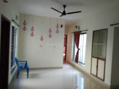 Gallery Cover Image of 936 Sq.ft 2 BHK Apartment for rent in Koyambedu for 15000