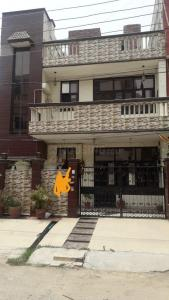 Gallery Cover Image of 1800 Sq.ft 4 BHK Independent House for buy in Sector 20 for 13000000