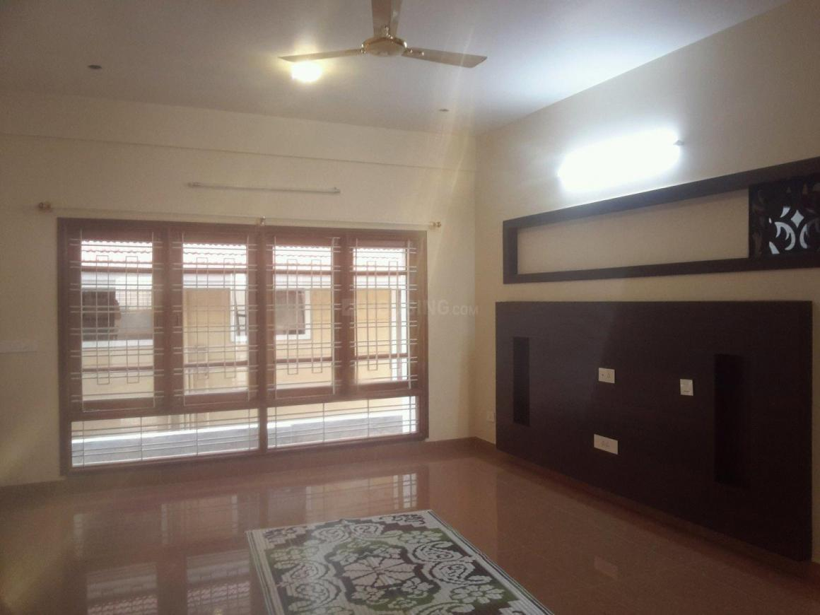 Living Room Image of 1600 Sq.ft 3 BHK Apartment for rent in Kalyan Nagar for 35000