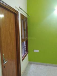 Gallery Cover Image of 1500 Sq.ft 2 BHK Apartment for rent in Sector 122 for 15000