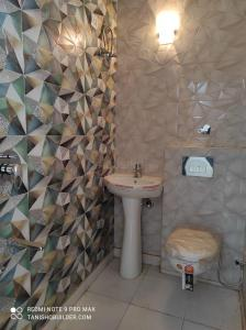 Gallery Cover Image of 900 Sq.ft 2 BHK Independent Floor for buy in Sector 10 for 3200000