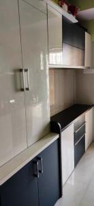 Gallery Cover Image of 950 Sq.ft 2 BHK Apartment for rent in Unique Greens, Thane West for 21000