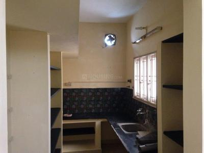 Gallery Cover Image of 961 Sq.ft 2 BHK Apartment for rent in Sembakkam for 8500