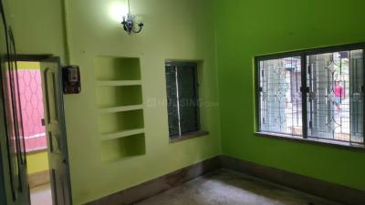Gallery Cover Image of 800 Sq.ft 2 BHK Independent Floor for rent in South Dum Dum for 9000