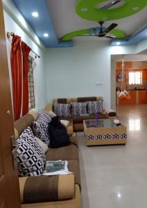 Gallery Cover Image of 1800 Sq.ft 2 BHK Apartment for rent in Electronic City for 25000