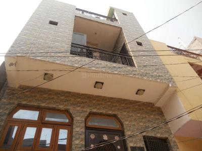 Gallery Cover Image of 450 Sq.ft 5 BHK Independent House for buy in Sector 62A for 4500000