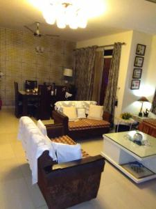 Gallery Cover Image of 1740 Sq.ft 3 BHK Apartment for buy in Omega II Greater Noida for 7000000