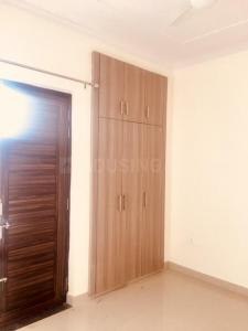Gallery Cover Image of 800 Sq.ft 1 BHK Apartment for rent in Sector 6 for 12500