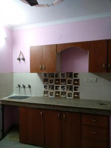 Gallery Cover Image of 800 Sq.ft 2 BHK Independent Floor for rent in Shakarpur Khas for 11500