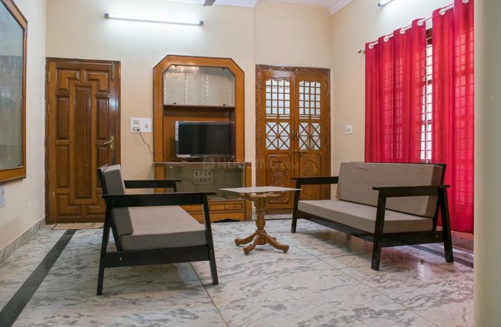 संजयनगर में गर्ल्स पीजी में लिविंग रूम की तस्वीर