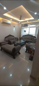 Gallery Cover Image of 2200 Sq.ft 4 BHK Apartment for rent in Sector 39 for 50000