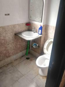 Gallery Cover Image of 750 Sq.ft 2 BHK Independent Floor for buy in Malviya Nagar for 7300000