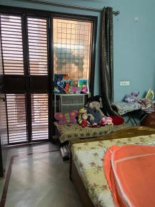 Gallery Cover Image of 900 Sq.ft 2 BHK Apartment for buy in Ramesh Nagar for 10000000
