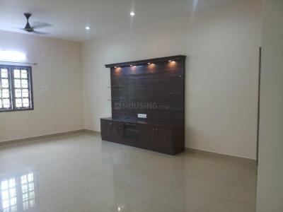 Gallery Cover Image of 1800 Sq.ft 3 BHK Apartment for rent in Landmark Tulip, KK Nagar for 38000