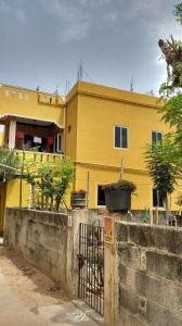 Gallery Cover Image of 2000 Sq.ft 10 BHK Independent House for buy in Sholinganallur for 100000000