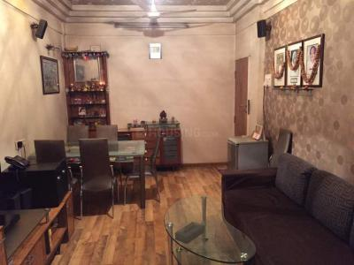 Gallery Cover Image of 800 Sq.ft 2 BHK Apartment for rent in West View Apartment, Santacruz West for 65000
