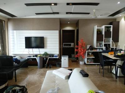 Gallery Cover Image of 997 Sq.ft 2 BHK Apartment for buy in Andheri West for 45000000