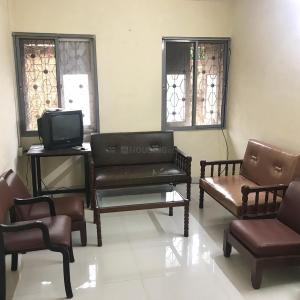 Gallery Cover Image of 600 Sq.ft 1 BHK Apartment for rent in Mahim for 40000
