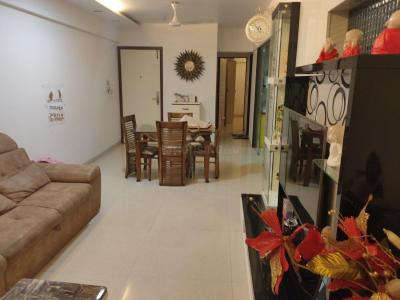 Gallery Cover Image of 1000 Sq.ft 2 BHK Apartment for rent in Aayush Aayush Aangan, Chembur for 55000