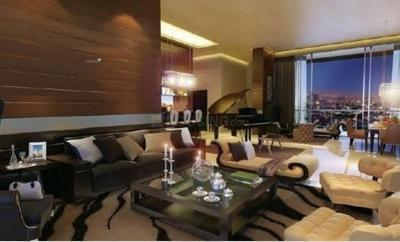 Gallery Cover Image of 950 Sq.ft 2 BHK Apartment for buy in Kandivali West for 18000000