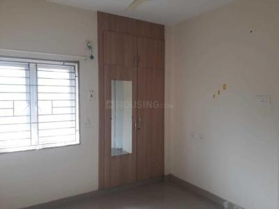 Gallery Cover Image of 1500 Sq.ft 3 BHK Apartment for rent in Pallikaranai for 17000