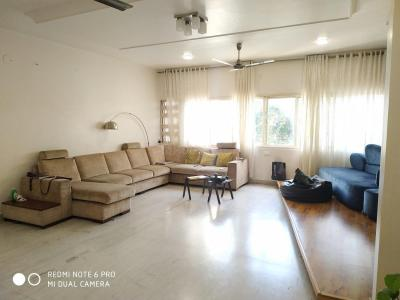 Gallery Cover Image of 1250 Sq.ft 4 BHK Apartment for rent in Kothrud for 85000
