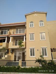 Gallery Cover Image of 3150 Sq.ft 3 BHK Independent Floor for buy in Sector 65 for 16000000