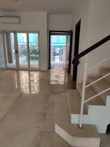 Gallery Cover Image of 3998 Sq.ft 3 BHK Villa for buy in Sector 131 for 42500000