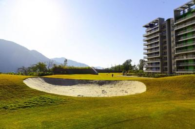 Gallery Cover Image of 1975 Sq.ft 3 BHK Apartment for buy in Pacific Golf Estate, Kulhan for 8400000