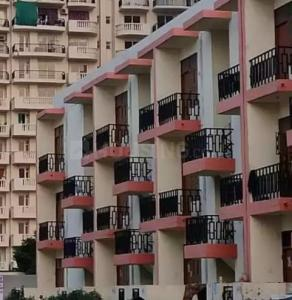 Gallery Cover Image of 540 Sq.ft 1 BHK Apartment for buy in Ravindra Floors Sec - 85, Sector 85 for 680000