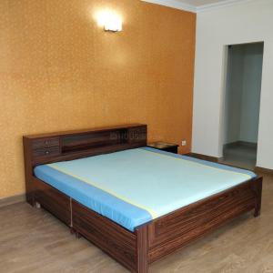 Gallery Cover Image of 1850 Sq.ft 3 BHK Apartment for rent in Zeta I Greater Noida for 17000