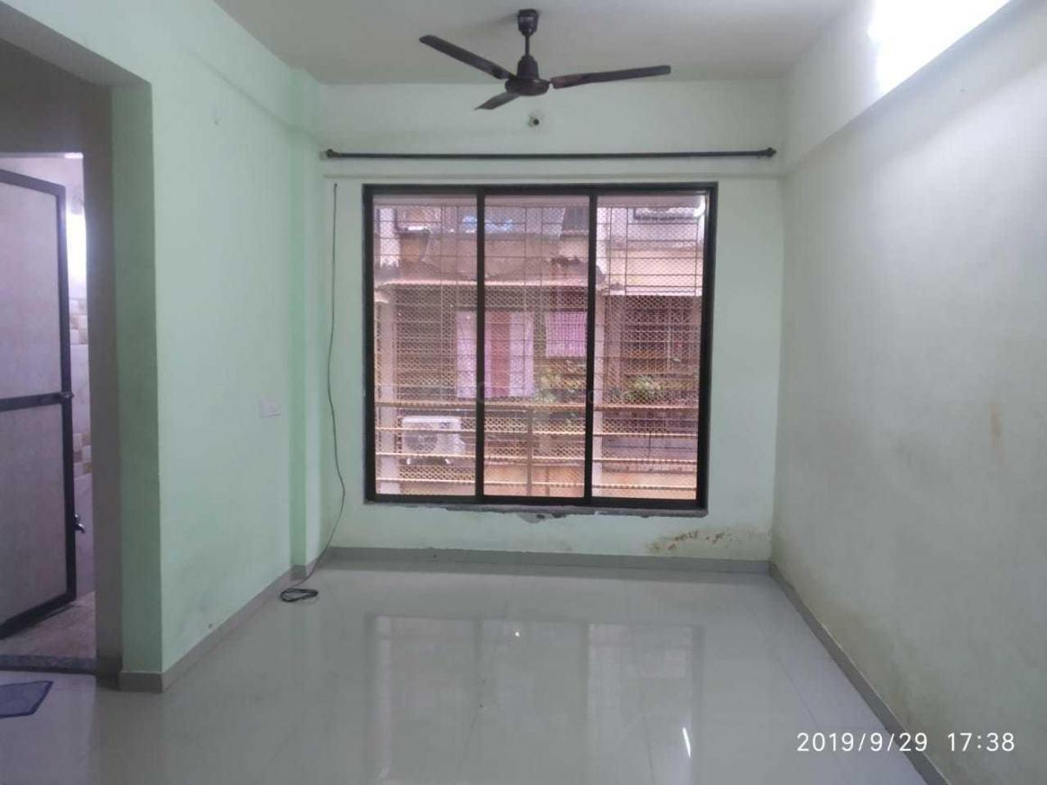 Living Room Image of 680 Sq.ft 1 BHK Apartment for rent in Airoli for 17500