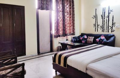 Gallery Cover Image of 150 Sq.ft 1 BHK Independent House for rent in Sector 11 for 12000
