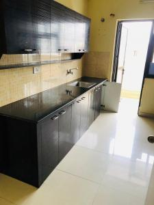 Gallery Cover Image of 1800 Sq.ft 4 BHK Apartment for rent in Hiland Willows, New Town for 45000