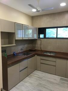 Gallery Cover Image of 1000 Sq.ft 3 BHK Apartment for rent in Blue Heaven, Bandra West for 80000