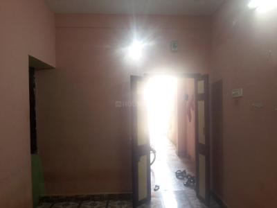 Gallery Cover Image of 700 Sq.ft 2 BHK Apartment for rent in Nangainallur for 7500