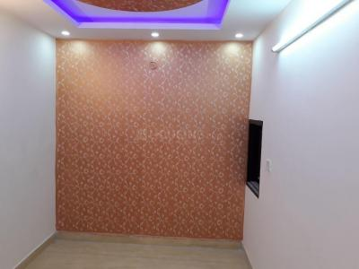 Gallery Cover Image of 550 Sq.ft 1 BHK Independent Floor for rent in Uttam Nagar for 7000