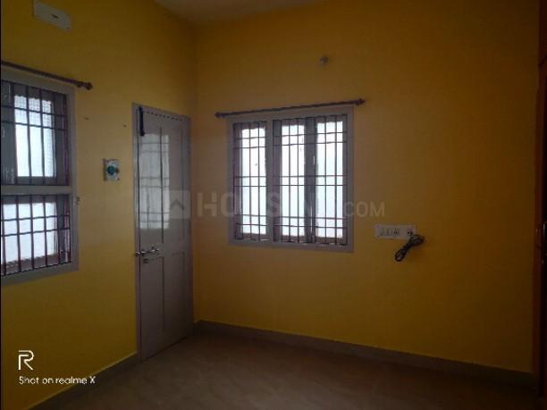Bedroom Image of 1250 Sq.ft 2 BHK Apartment for rent in Kolathur for 15000