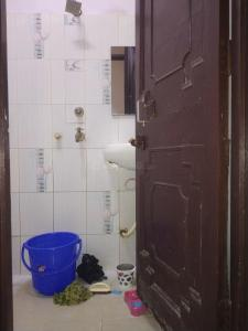 Bathroom Image of Agarwal PG in Shakarpur Khas
