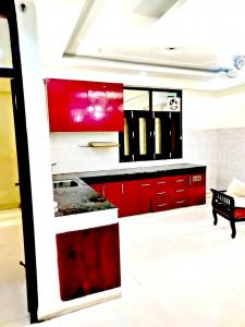 Gallery Cover Image of 1600 Sq.ft 3 BHK Apartment for buy in Jamia Nagar for 8500000