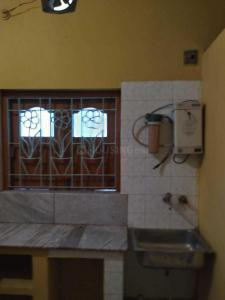 Gallery Cover Image of 770 Sq.ft 2 BHK Independent Floor for rent in Paschim Barisha for 10000