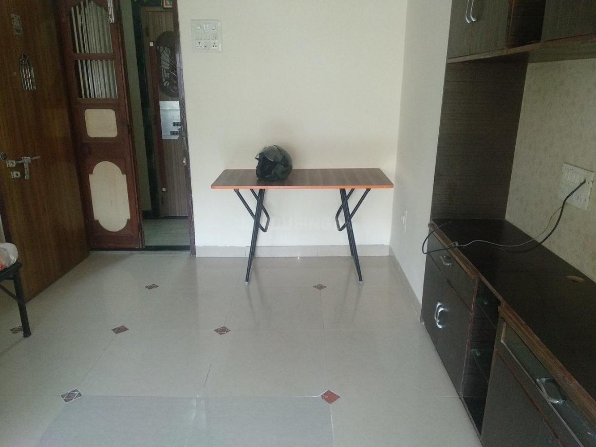 Living Room Image of 600 Sq.ft 1 BHK Apartment for rent in Prabhadevi for 50000