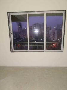 Gallery Cover Image of 969 Sq.ft 2 BHK Apartment for rent in Malad West for 30000