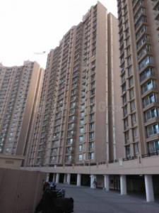 Gallery Cover Image of 750 Sq.ft 1 BHK Apartment for rent in Malad West for 25000