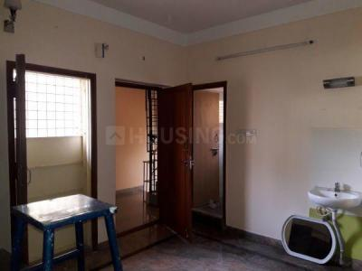 Gallery Cover Image of 850 Sq.ft 1 BHK Independent Floor for rent in Rajajinagar for 12500