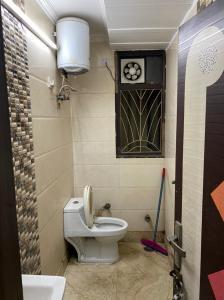 Bathroom Image of Affordable PG in Patel Nagar